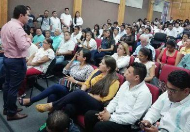 Estudiantes de la UAGro participan en foro sobre ética y valores.