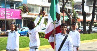 Desfile por la Revolución es incentivo y orgullo para atletas de Acapulco.