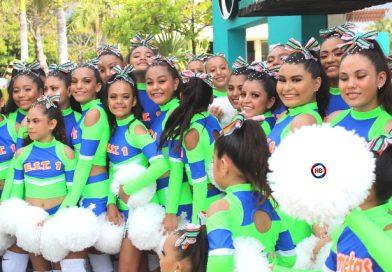 """""""No hay desfile sin la Técnica Uno"""", celebran estudiantes."""